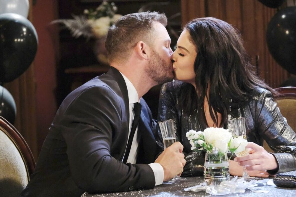 chloe kisses brady on days of our lives