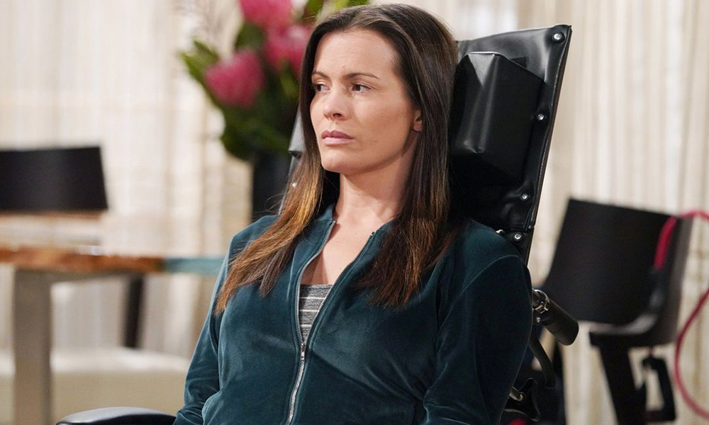 chelsea in chair young and restless