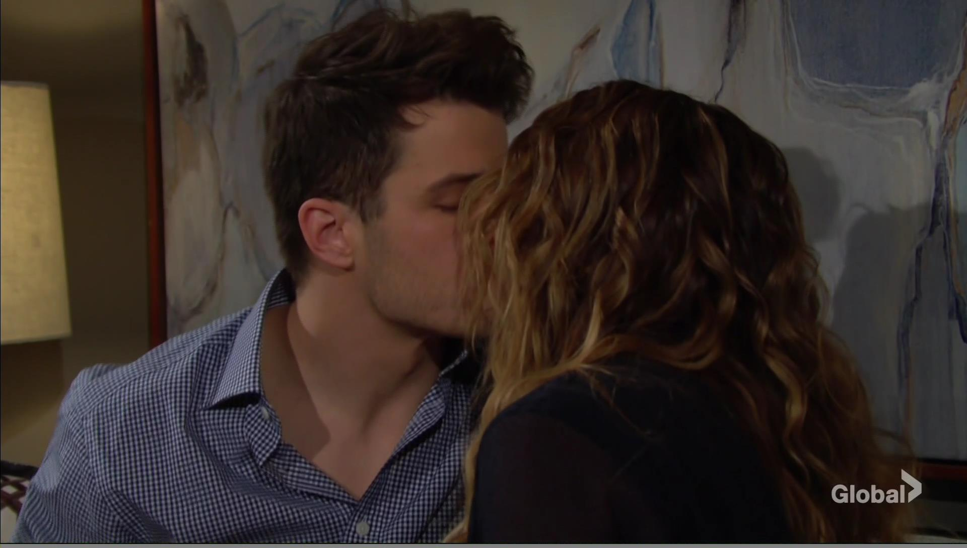 kyle summer kissing young and restless