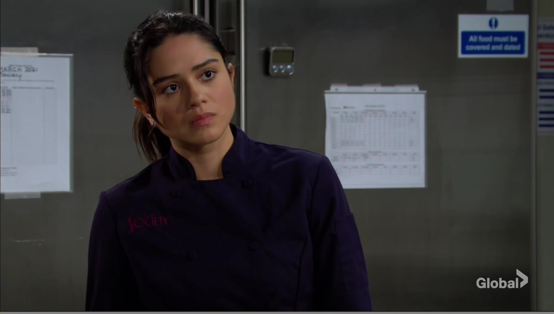 lola chats up rey young restless