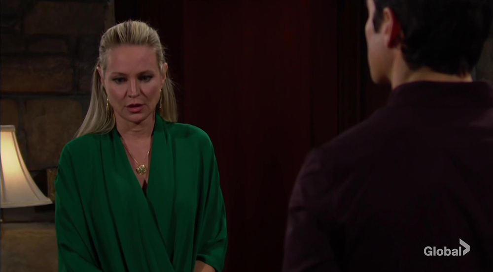 sharon uneasy with rey young and restless