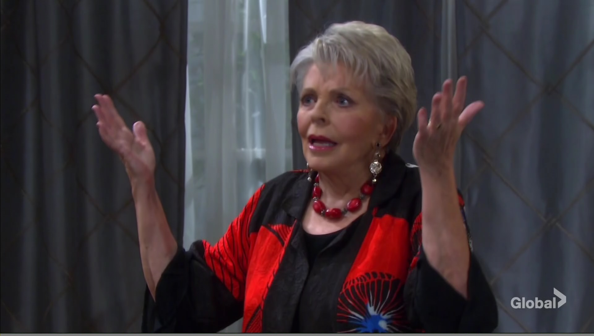 julie angry gwen moving in days of our lives