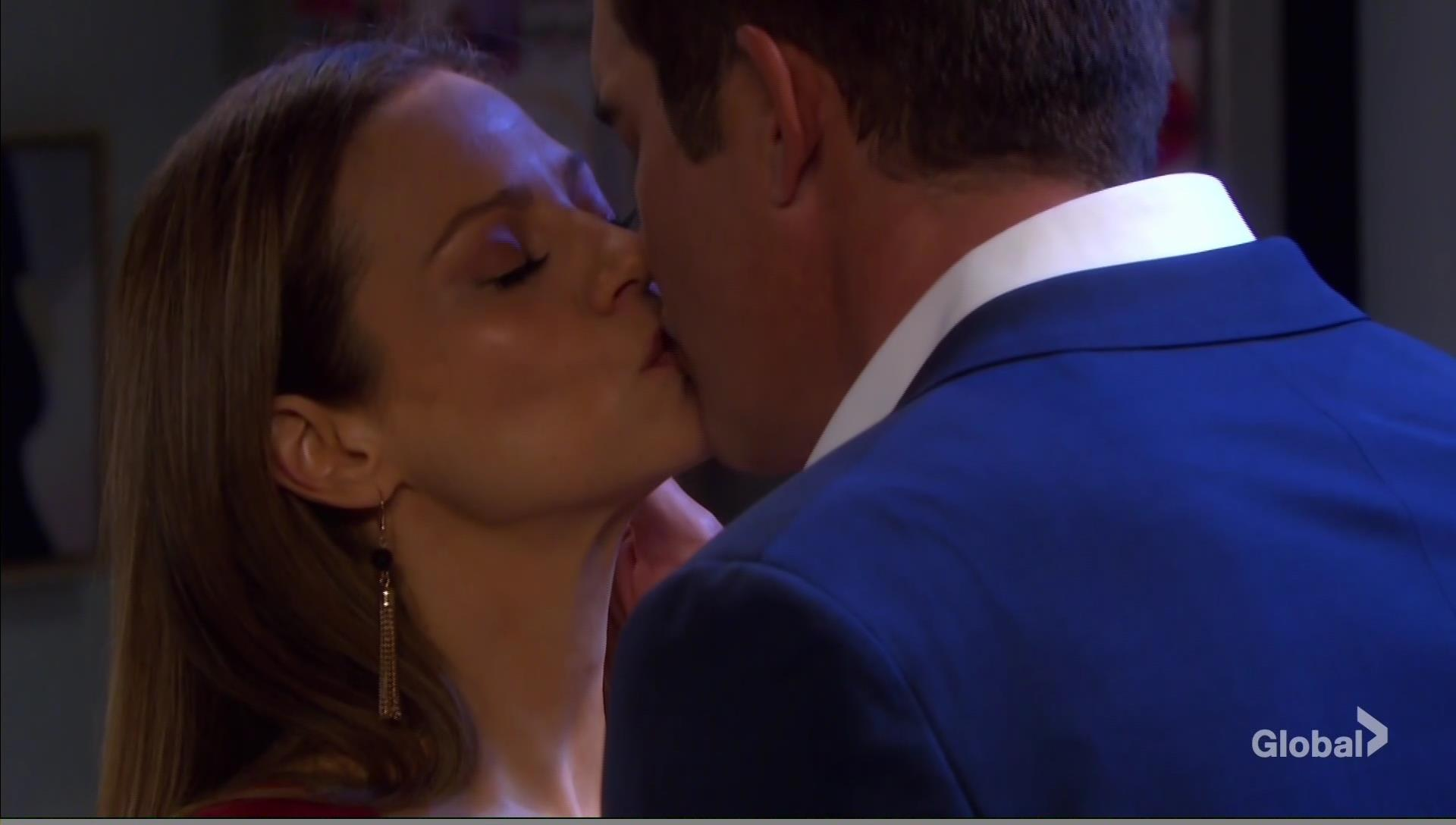 rafe ava kiss goodnight days of our lives