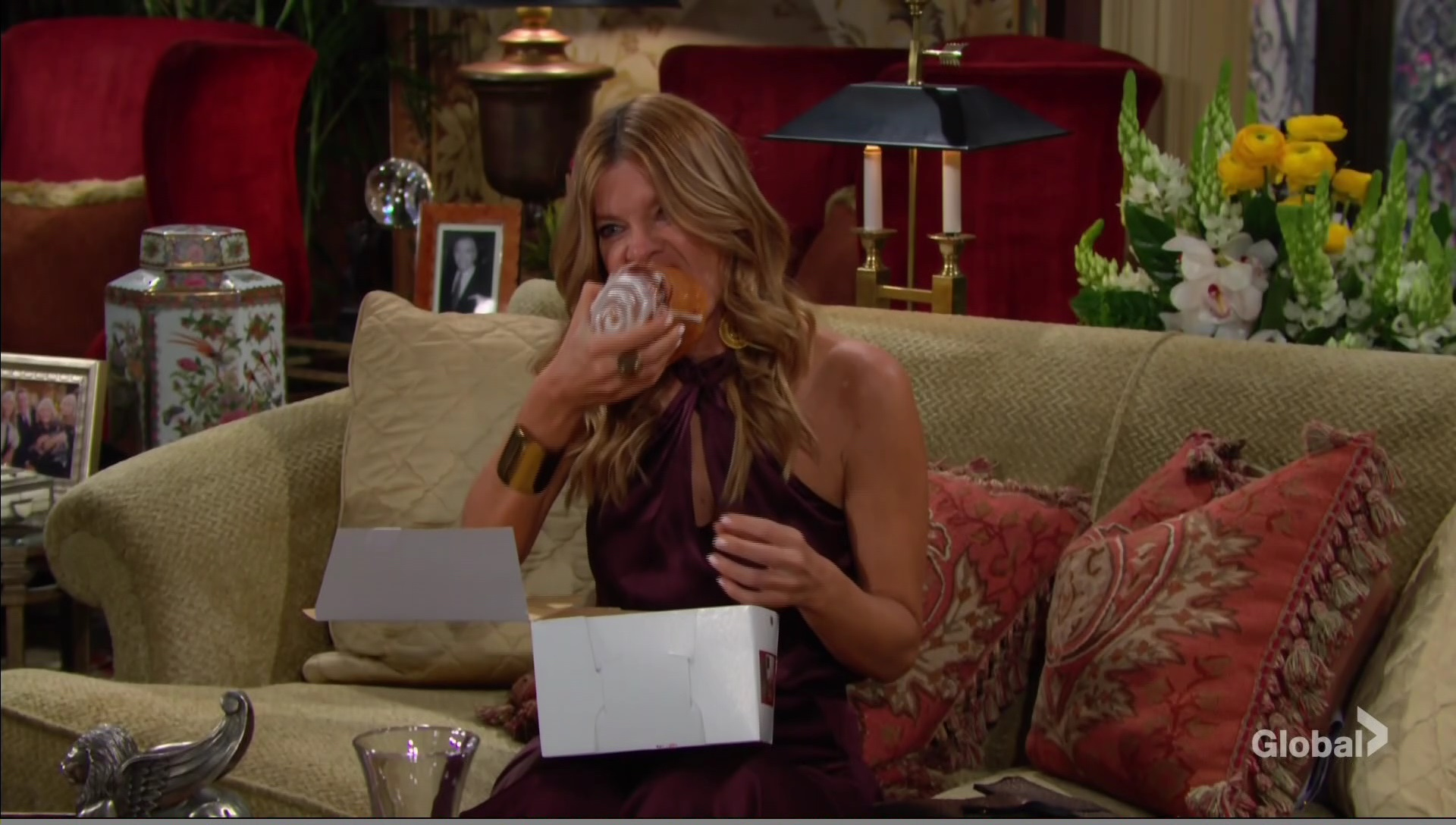 phyllis eating young restless