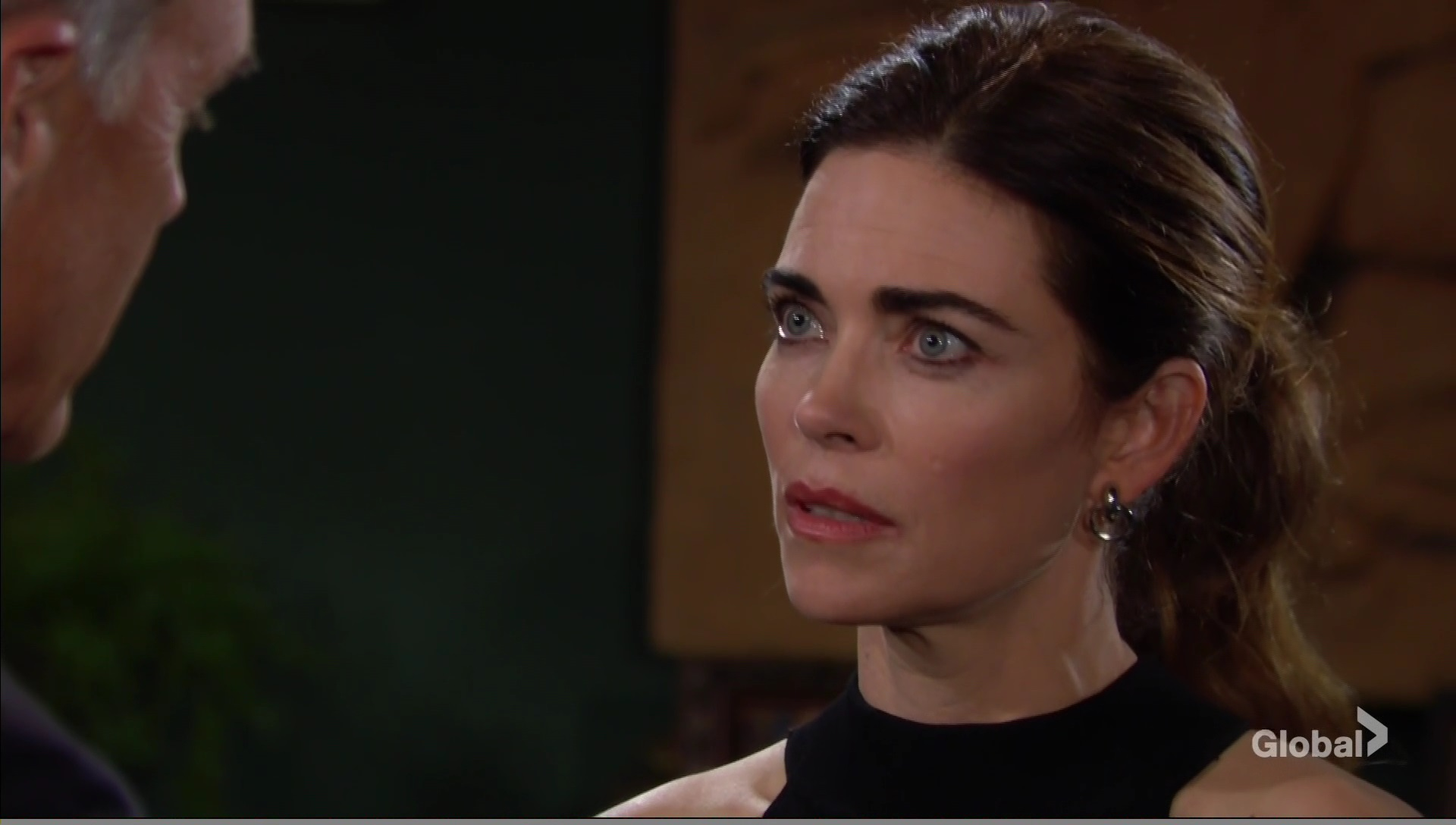 victoria and locke in close moment young and restless