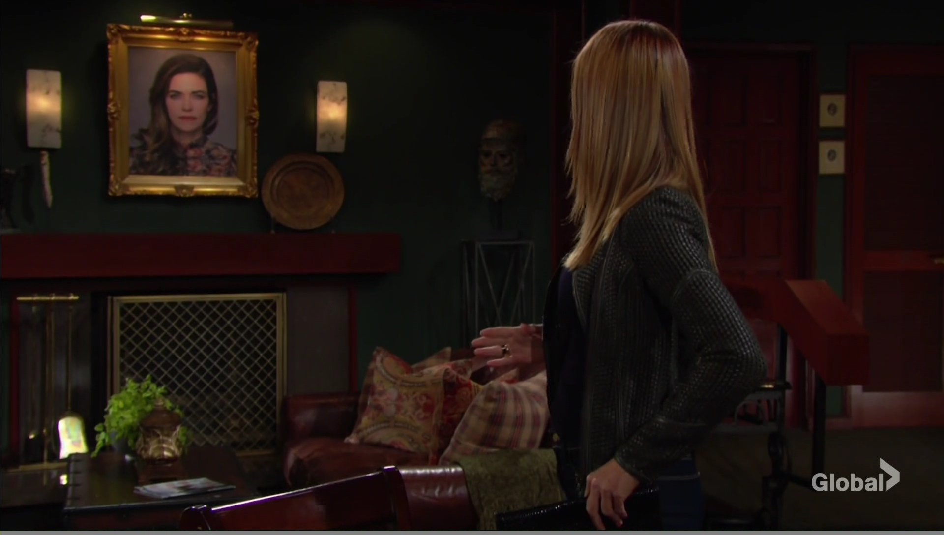 phyllis sees portrait victoria young and the restless cbs